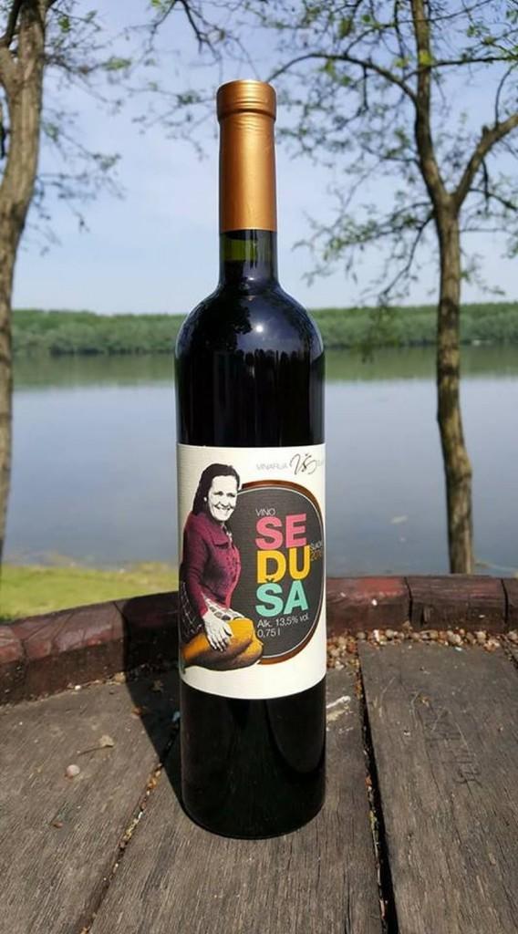 vino vinarije Šijački od autohtone sorte Seduše