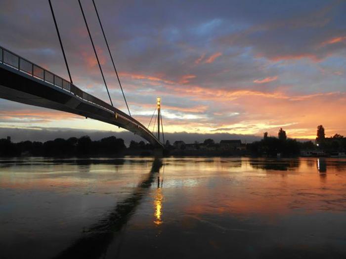 Most Sv. Irineja Sremska Mitrovica