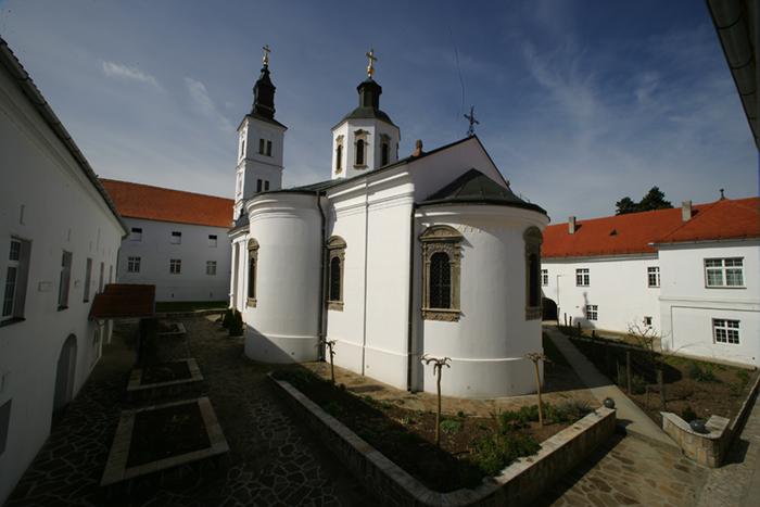 Manastir_Krusedol